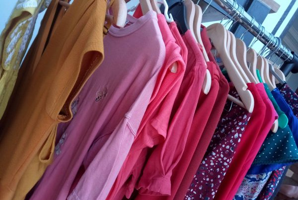 vêtements colorés-accompagnement par le vêtement-Anne Rose Lovink